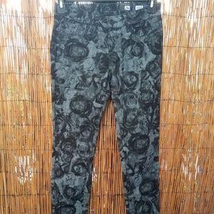 Miss Me J052165 Skinny Jeans Size 26 Floral Design
